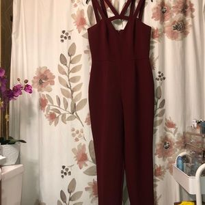 burgundy jumpsuit perfect for the holidays!!